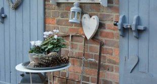 Bild könnte enthalten: Pflanze, Tisch und im Freien
