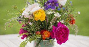 Der schöne David Austin schnitt Rosen ... und inspirierte Sie, wie Sie Blumen in Ihrem Zuhaus...
