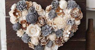 Gemalte Tannenzapfenblüten auf wiederverwertetem Scheunenholz #gemalte #scheune...